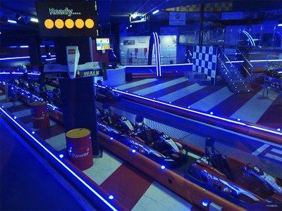 Carrera de karts indoor en Barcelona 10-12 pilotos