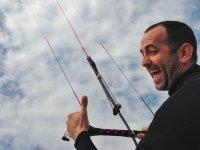 Manejando la cometa de kite