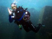在兰萨罗特岛潜水