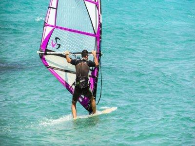 Curso de windsurf iniciación en Roquetas de Mar 6h