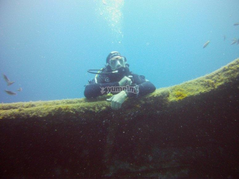 Inmersión de buceo para titulados