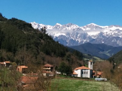 Trekking route + Accommodation, Cantabria