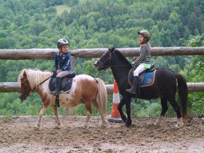 Paseo en pony cerca de Collserola durante 1 hora