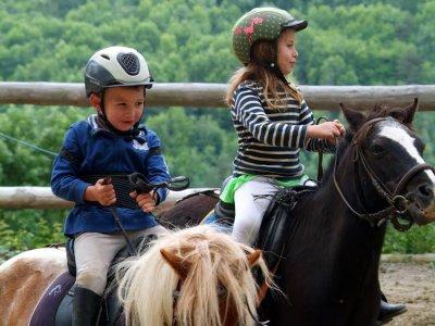 Salida en pony por Vall de Camprodón durante 1h
