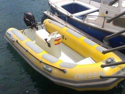 Navegar en lancha por costa de Chipiona 4 horas