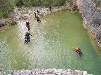 Saliendo de la piscina del barranco