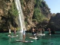 Practicando paddle surf en Nerja