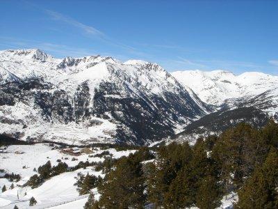 退休人员的Vallnord滑雪通行证有一天