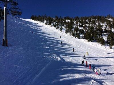 Clases de esquí en grupo Vallnord para adultos 6h