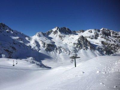 Clases de esquí para niños en Vallnord en grupo 6h