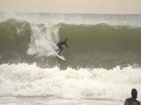 Surfeando en las playas de Barcelona