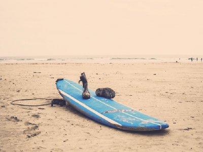租用巴塞罗那1天的冲浪材料海滩