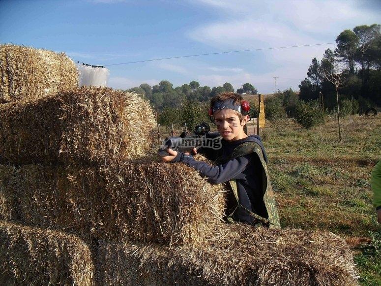 带有稻草保护的玩家