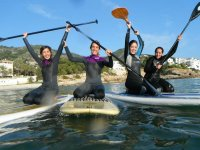 Alquilar los materiales de paddle surf