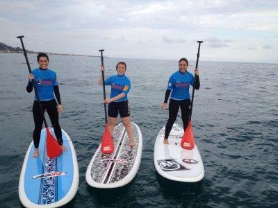 在巴塞罗那划桨冲浪设备3小时