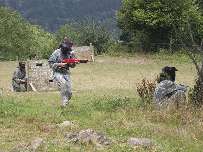 Paintball and entrance to Cabuerniaventura Park