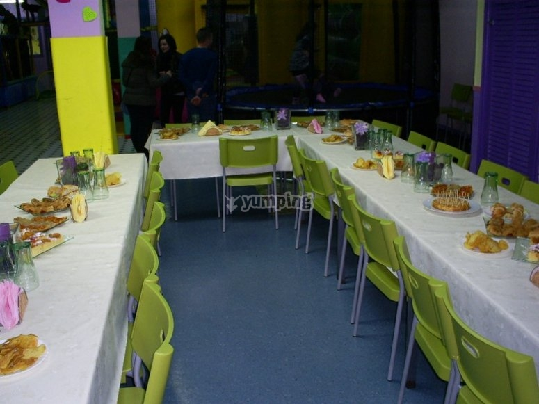 The lunchroom for the parents