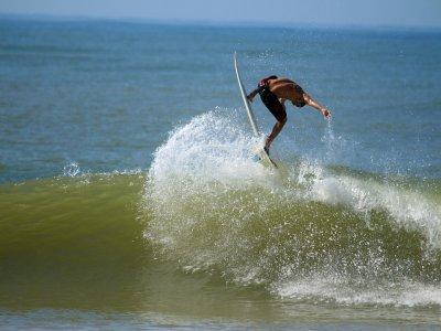 Castelldefels的冲浪板租赁服务