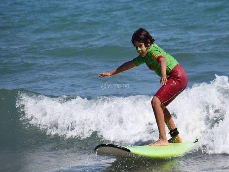 Surfeando en Sitges