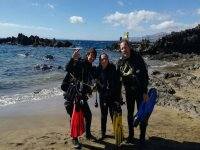 在加那利水下潜水课程助理