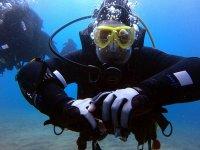 Aprendiendo a guiar a grupos bajo el agua