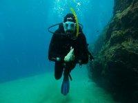 兰萨罗特岛的开放水域潜水员