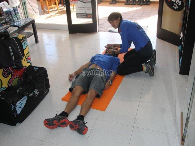 CPR -999示范 - 学习救援技术