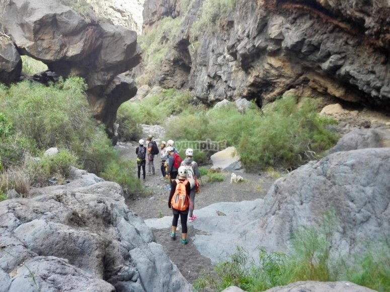Caminando por espacio natural canario