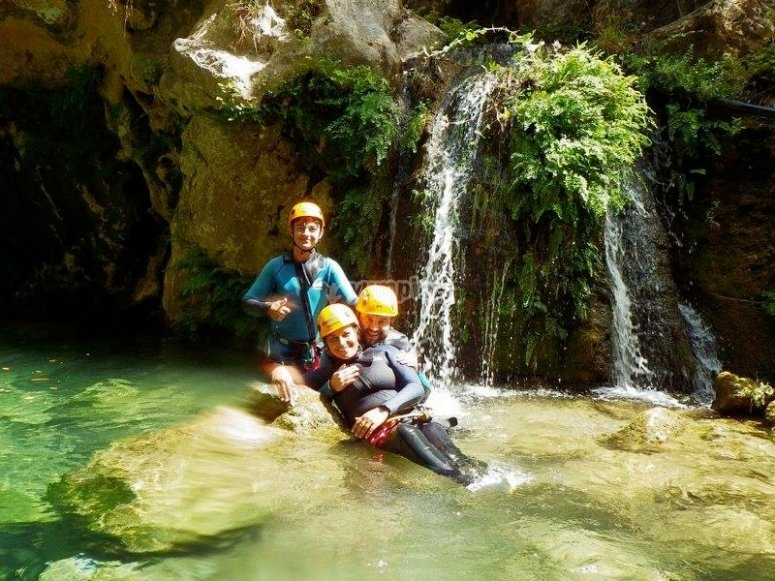 Practice canyoning in Almanchares