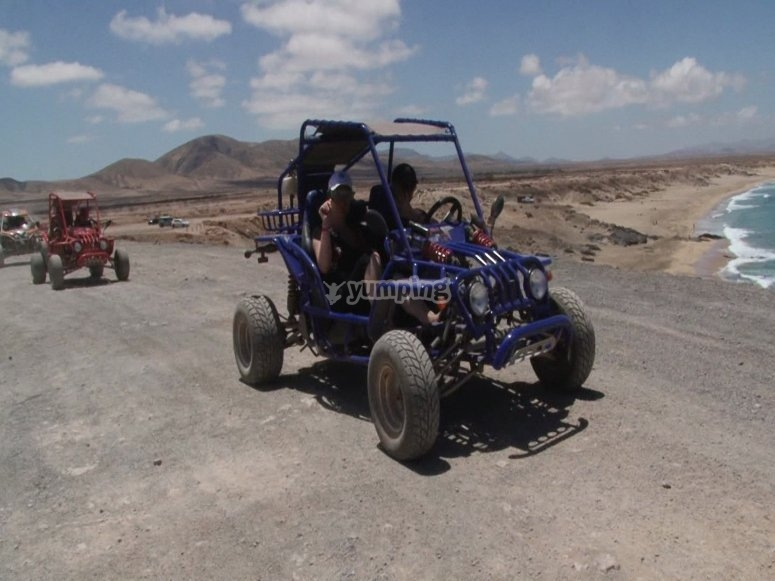 Vehiculo ligero de cuatro ruedas