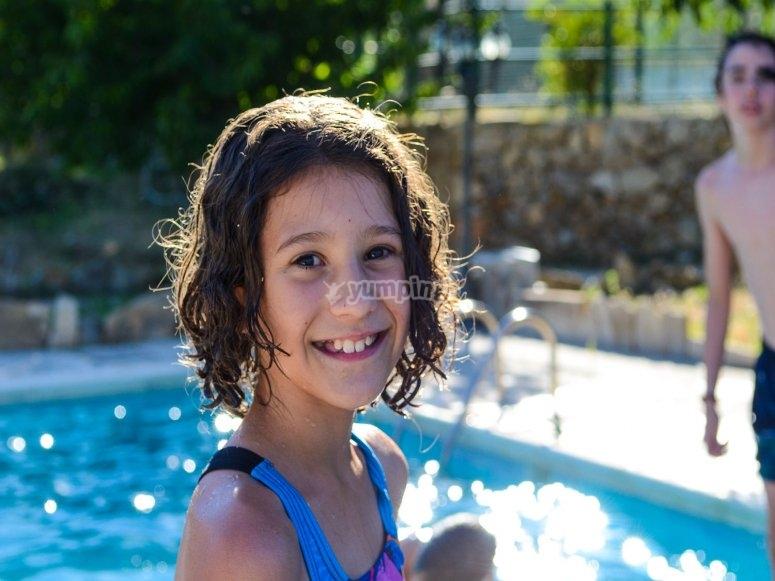 En la piscina