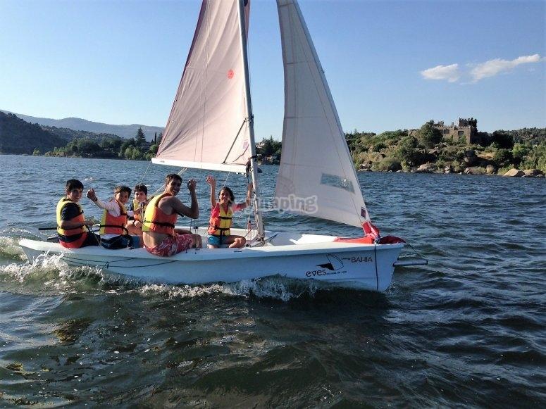 Aprendiendo a navegar en el lago