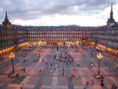 Ruta guiada por Plaza Mayor de Madrid para coles