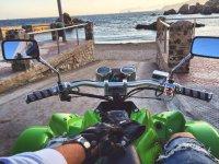 Spyder quad frente a la playa