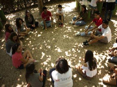 One-week english camp in Portugal siblings