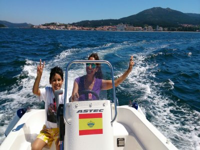 Rent a boat without license Vilagracia 8 hours