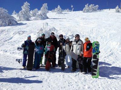 Lezioni di neve di gruppo a Valdesquí o Navacerrada