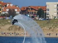 Flyboard en la playa de Noja