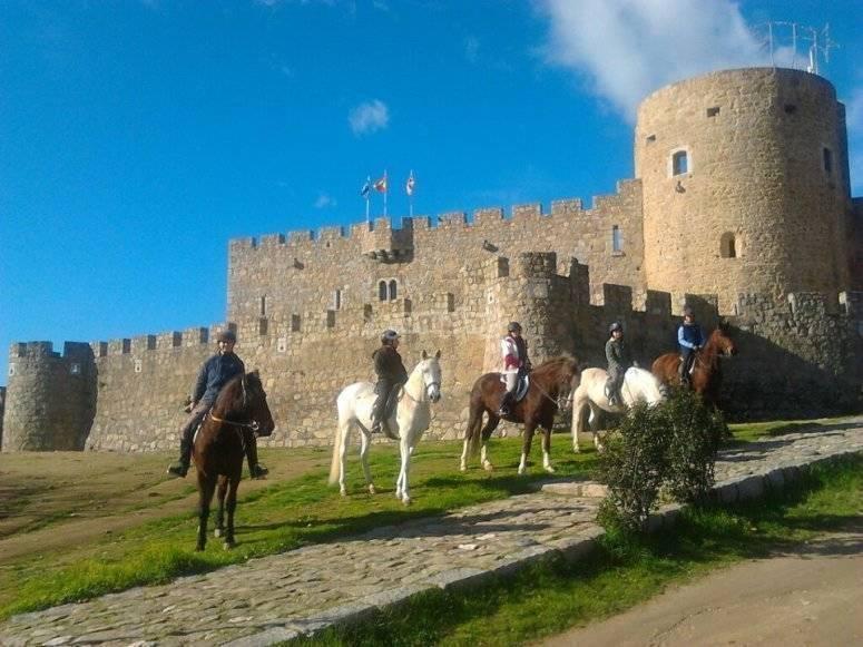 En el castillo de La Adrada