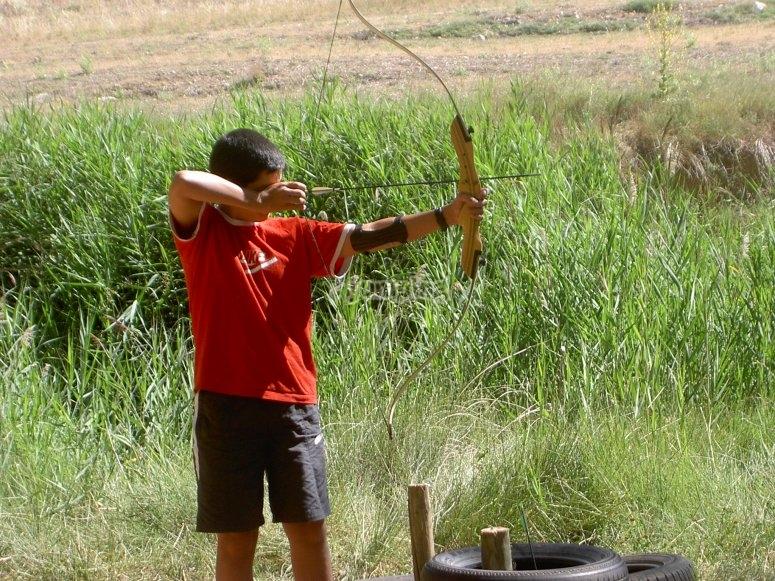 Apuntando para lanzar la flecha