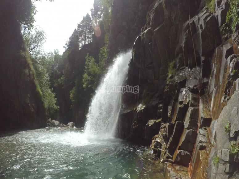 Descenso por cascadas