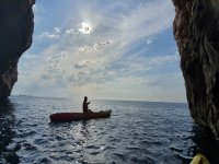 在萨洛地区划皮划艇之旅