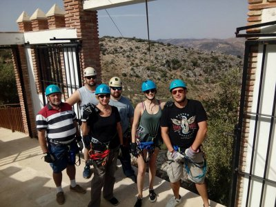 2 tandem zip-line descents in Comares