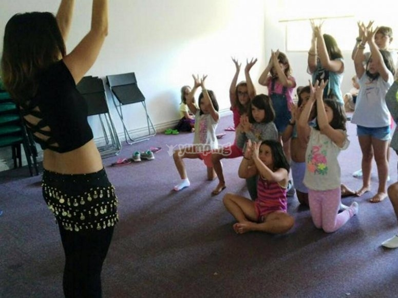Practicando danza del vientre