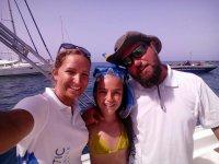 Con la peque con gafas de snorkel