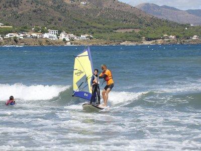 Windsurf para colegios en Port de la Selva