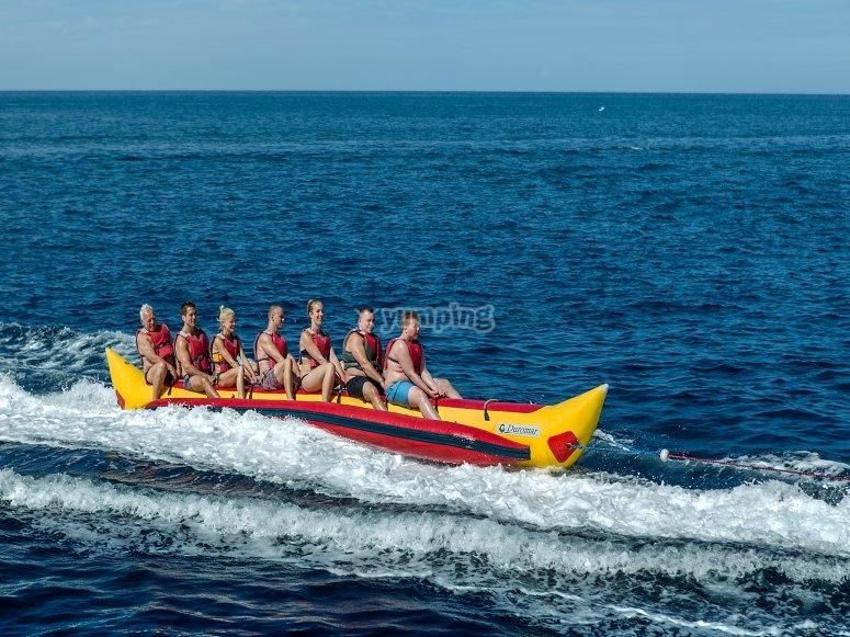 Arrastrando el banana boat