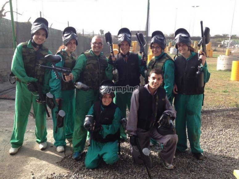 Un divertido dia jugando al paintball