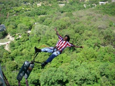 2 saltos de puenting en Villanueva  40m 1 persona