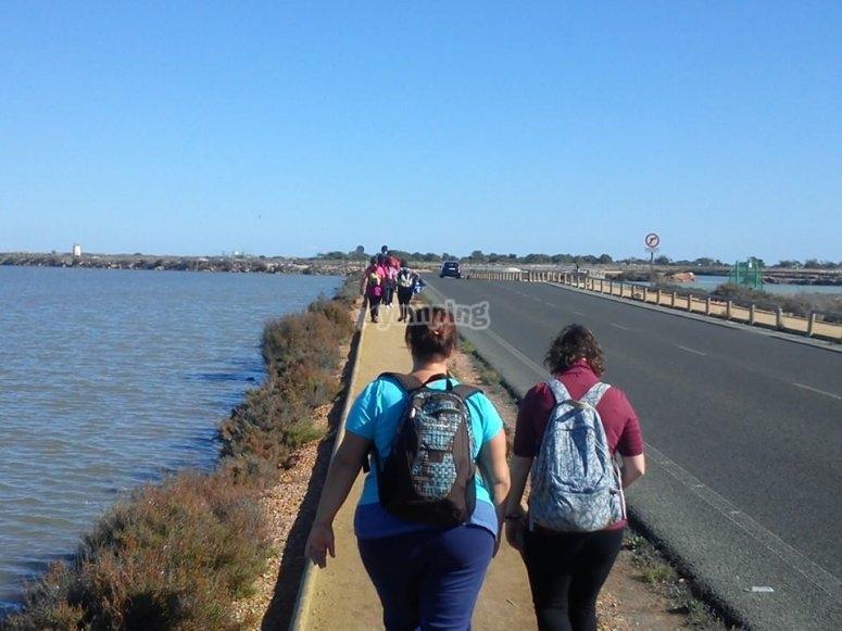Caminando junto a las aguas del Mar Menor